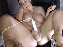 69 amateur big-tits boobs bus busty bbw hot mammy