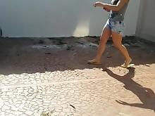 brunette feet foot-fetish hot juicy mammy milf outdoor public