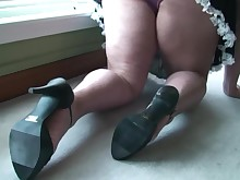 fatty feet foot-fetish mammy milf skirt sweet upskirt
